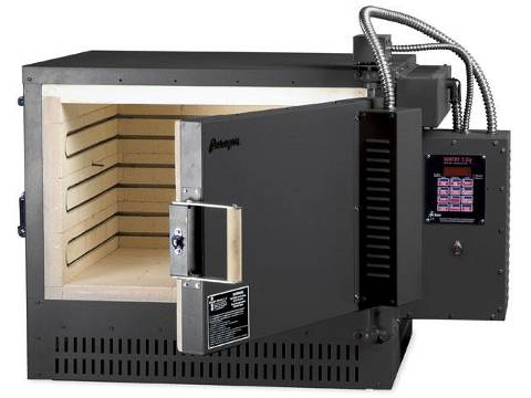 Paragon GL24ADTSD Glass And LampWorking Kiln With A Sentry Digital Programmer.