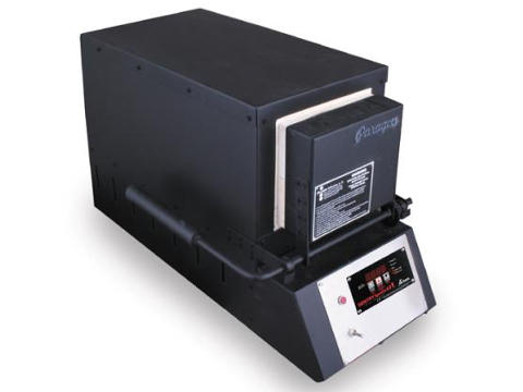 Paragon KM18T Knife-Making Kiln With A Sentry Xpress Programmer.