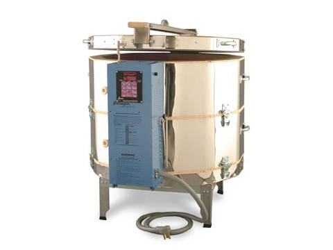 Paragon TNF273 Ceramics And Glass Kiln With A Sentry Programmer.