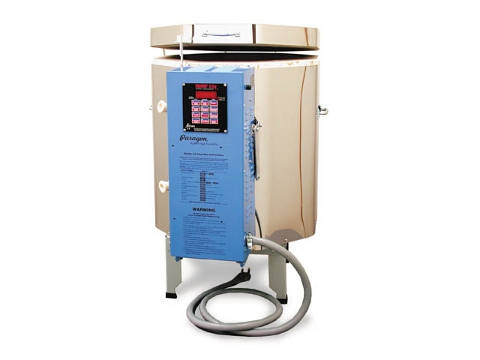 Paragon TN82-3 Ceramics, Porcelain, Pottery, And Glass Kiln With A Sentry Programmer.