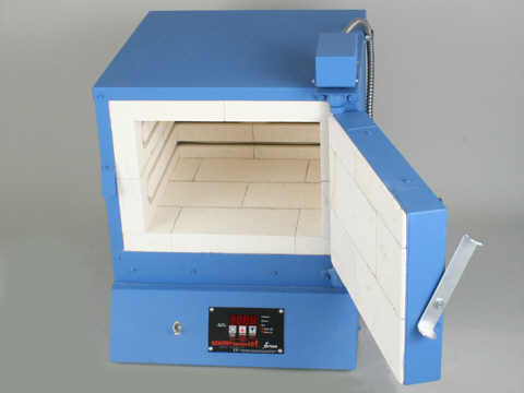 Paragon Xpress E14BW Bead And Glass Kiln With A Sentry Xpress Programmer.